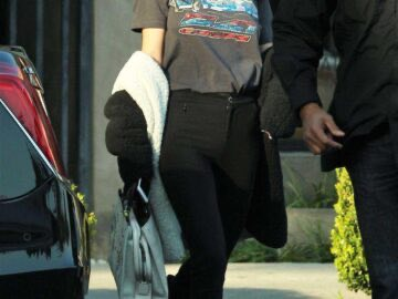 522cd Selena Gomez in Black Jeans 7 360x270 - Selena Gomez in Jeans Outside Nine Zero One Salon in West Hollywood