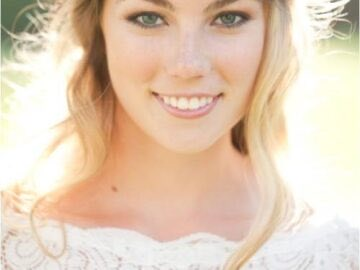 42f00 Wedding Flower Crowns e1395373356474 360x270 - Gorgeous Bridal Hairstyles With Flower Crowns