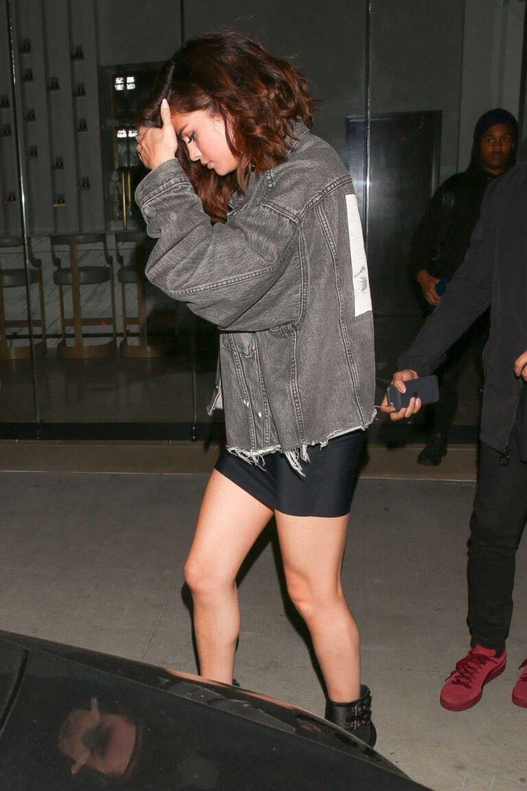 492ba Selena Gomez Leggy 3 768x1152 - Selena Gomez and The Weeknd at TAO Beauty and Essex in Hollywood