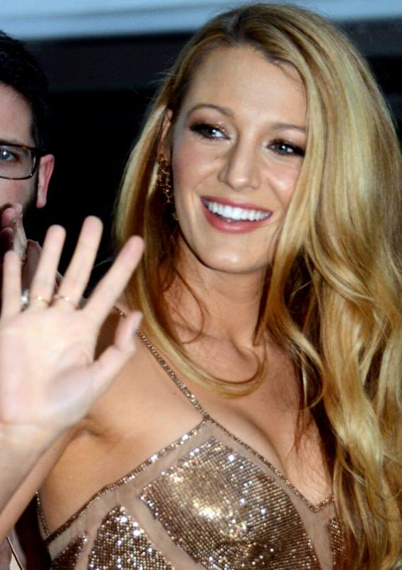 befc7 Blake Lively Cannes 2016 3 - Blake Lively To Star In The Husband's Secret