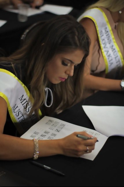Miss Multiverse Australia 2018 IQ test - Shelby Howell Miss Multiverse America 2019