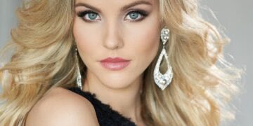 Shelby Howell Miss Multiverse America 2019